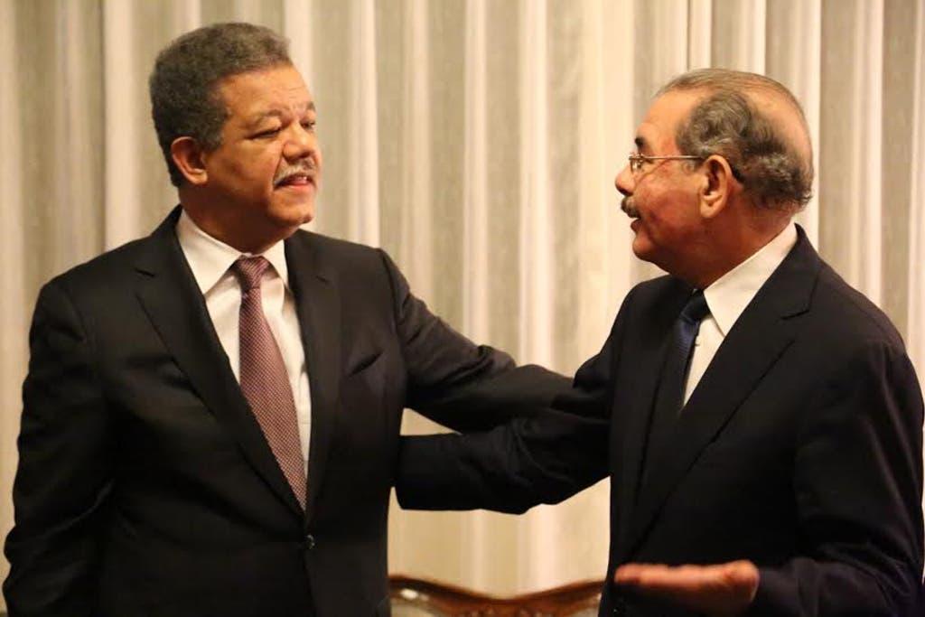 El presidente de la República, licenciado Danilo Medina, y presidente del Partido de la Liberación Dominicana (PLD), doctor Leonel Fernández.