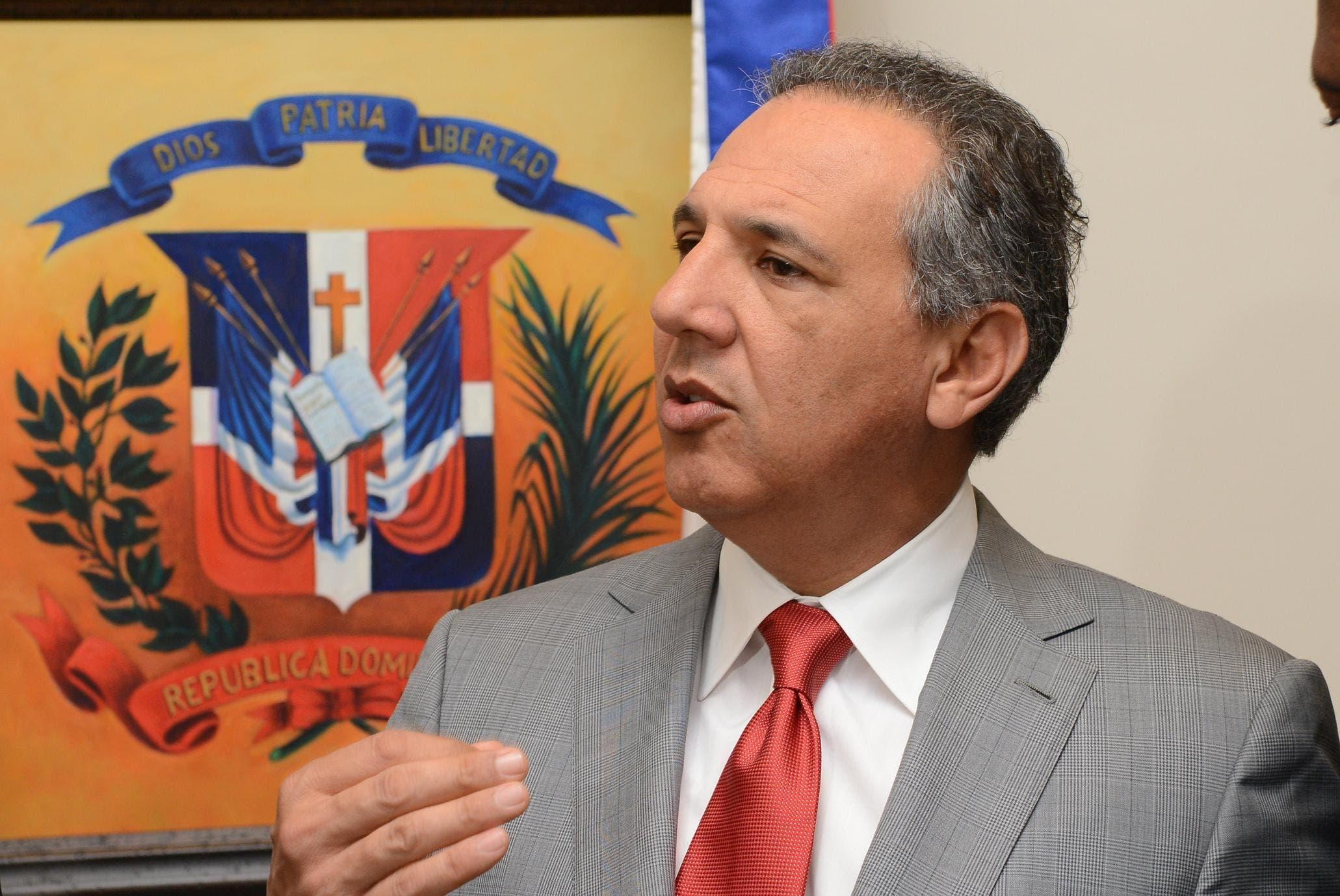 Peralta dice  94.2% apoya gestión Danilo Medina