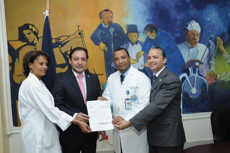 Diputados entregaron un millón y medio de pesos a cinco hospitales del Sur