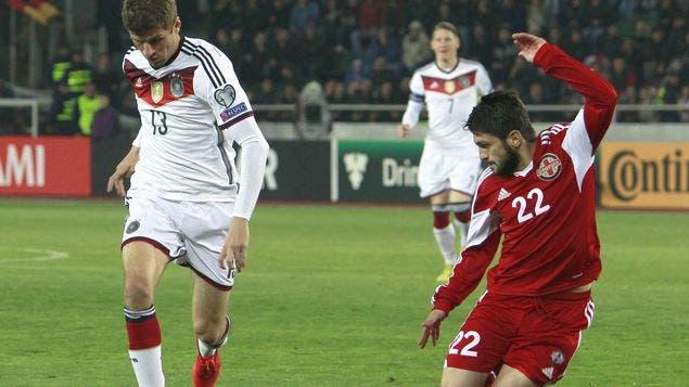 Alemania-endereza-rumbo-eliminatorias-Eurocopa_MEDIMA20150329_0090_5