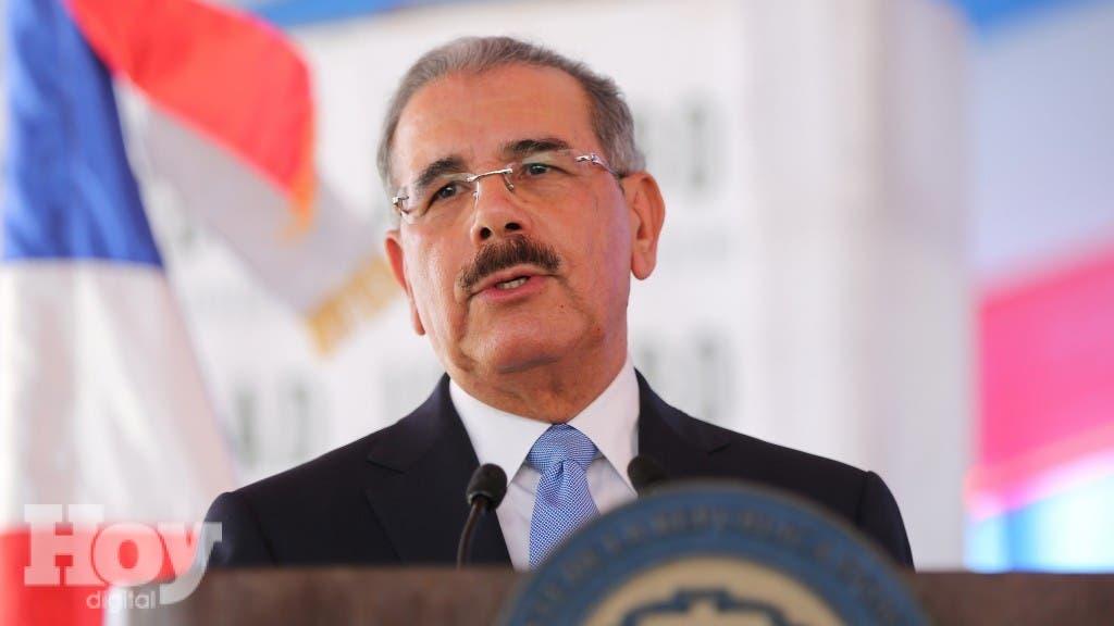 Danilo Medina Asciende a 13,312 miembros de la Armada, Fuerza Aerea y PN