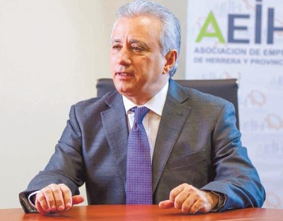 Antonio Taveras Guzmán, presidente de la AEIH.  archivo/hoy