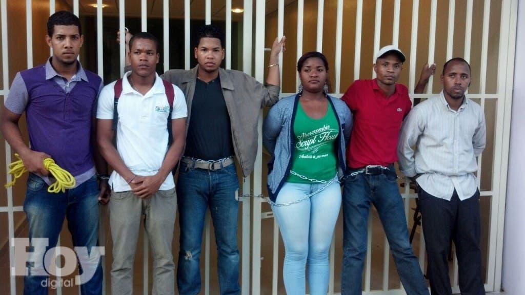 Estudiantes encadenados UASD