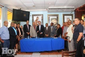 Luis Abinader durante una rueda de prensa de Puerto Rico