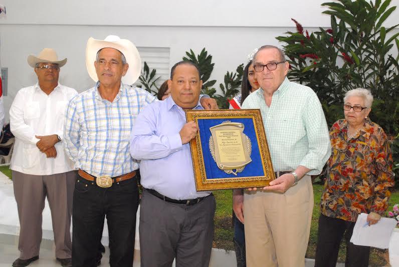 Reconocen al Ministerio de Agricultura por avances presentados en Feria Agropecuaria