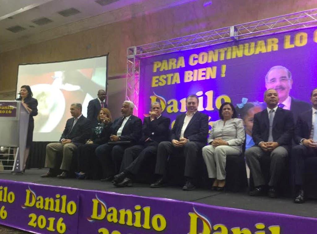 Más de 400 miembros del Comité Central reclaman al Comité Político escuchar clamor popular para que Danilo Medina siga cuatro años más.Hoy/Fuente Externa 25/3/15