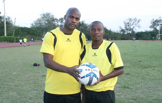 Los ex delanteros de la selección de HaitÃ- Jean Philippe Peguero y Jean Michel Boucicaut