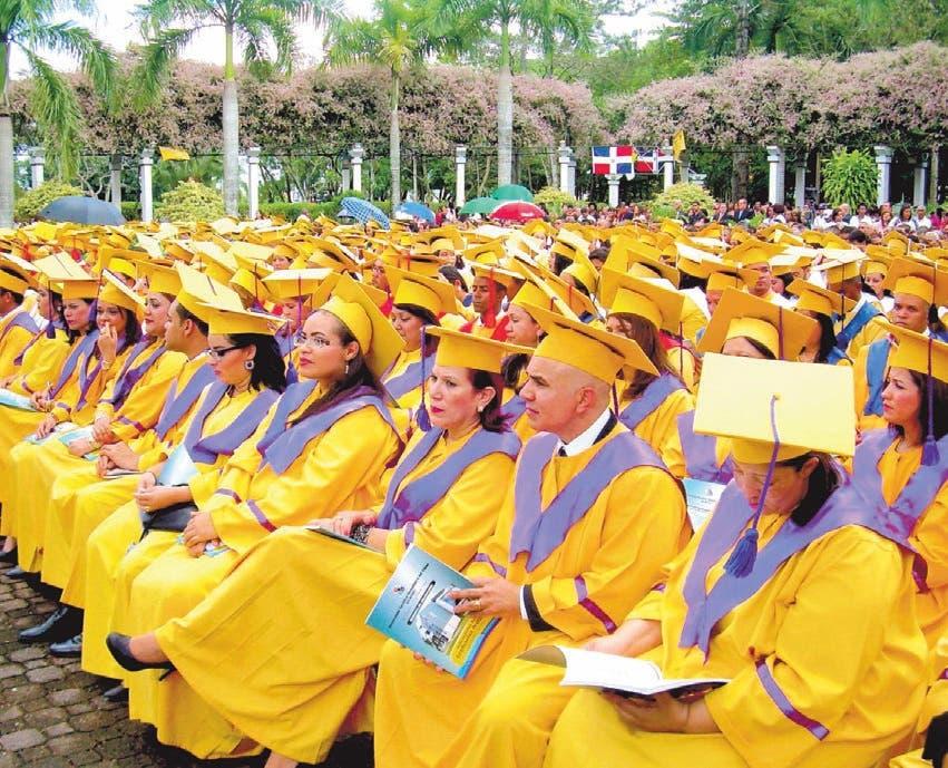 Universidad Católica del Cibao realiza graduación ordinaria