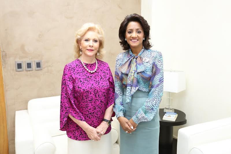Primera Dama e invitada a la conferencia