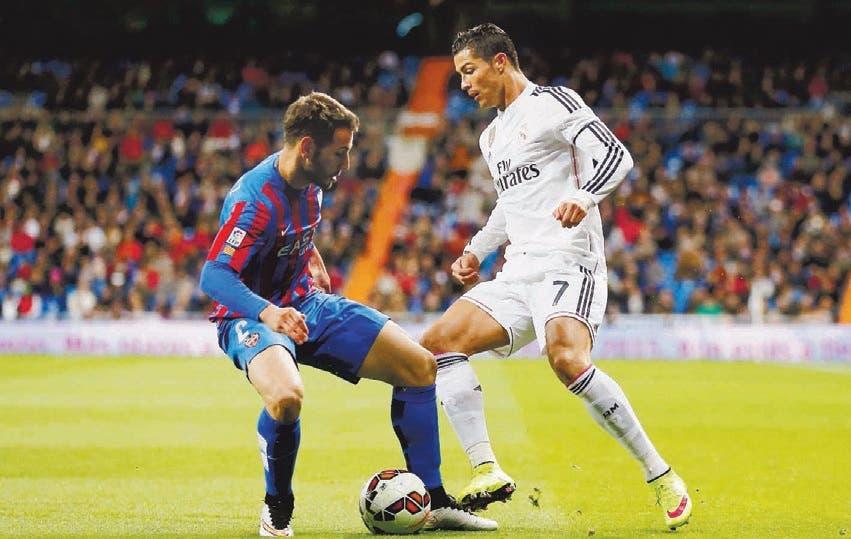 Real Madrid derrota a Levante en Fútbol