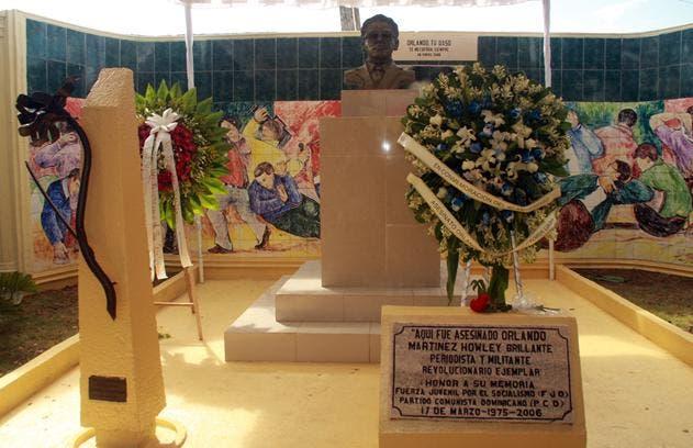 Entidades honran al periodista Orlando Martínez