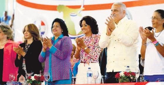 Despacho Primera Dama participa en festival de mujer