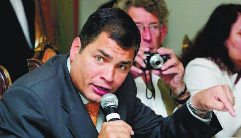 Correa dice hay encuestas que dan triunfo en una vuelta a oficialismo Ecuador