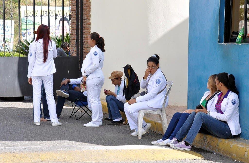 El proyecto busca regular el ejercicio de la medicina en el país