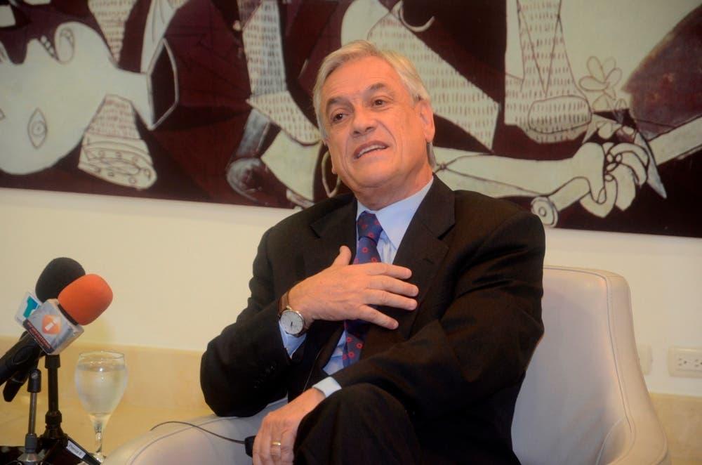 El ex presidente de Chile Sebastián Piñera, habla, durante  al Almuerzo de Medios de Comunicaciones Corripio. Hoy/Arismendy Lora