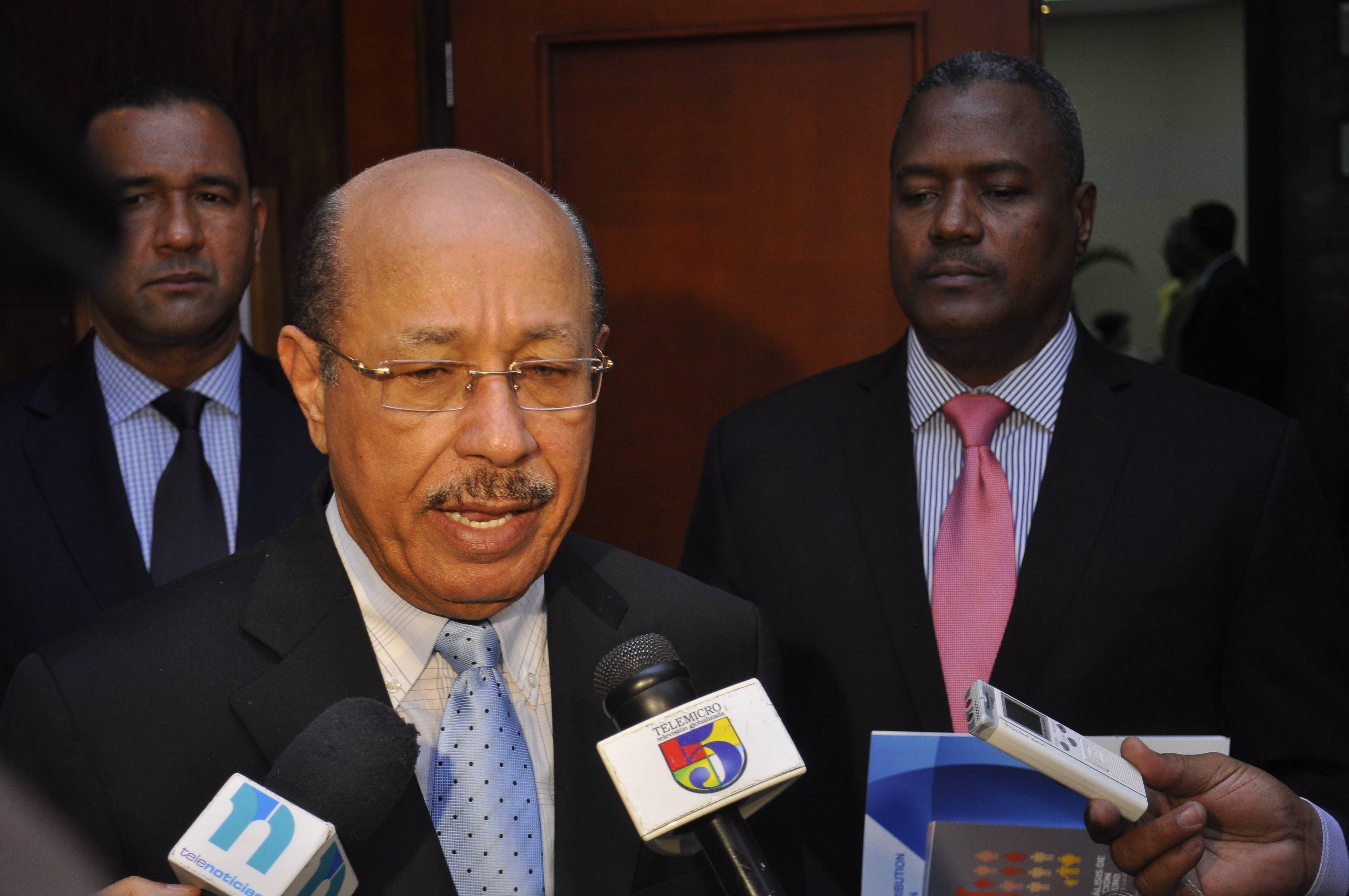 Fenatrado advierte si quitan subsidios a combustibles aumentarán pasaje; marcharán hoy