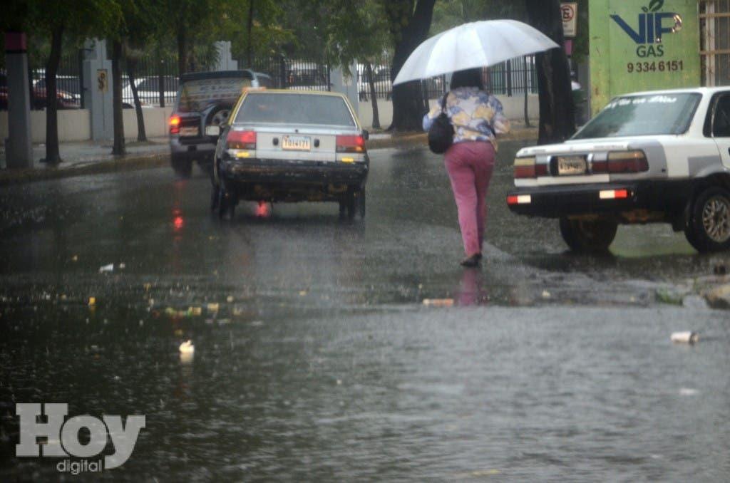 Lluvia en la ciudad de Santo Domingo. Hoy/ Napoleòn Marte 16/05/2015