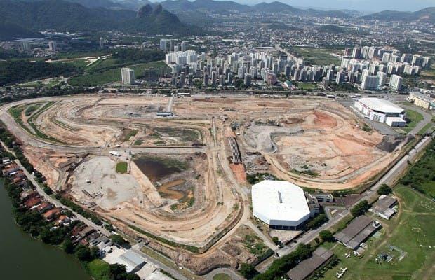 Trabajadores de algunas obras de los Juegos Olímpicos se ponen en huelga
