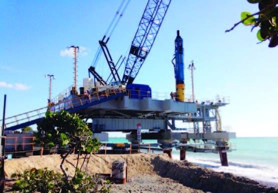 Proceso construcción plantas de carbón en Punta Catalina, Baní. archivo