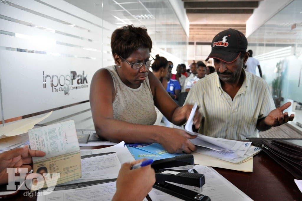 Reportaje Plan Nacional de Regularización de Extranjeros, llevado a cabo por el Gobierno dominicano a través del Ministerio de Interior y Policía. 11 de junio de 2015. Foto: Pedro Sosa.
