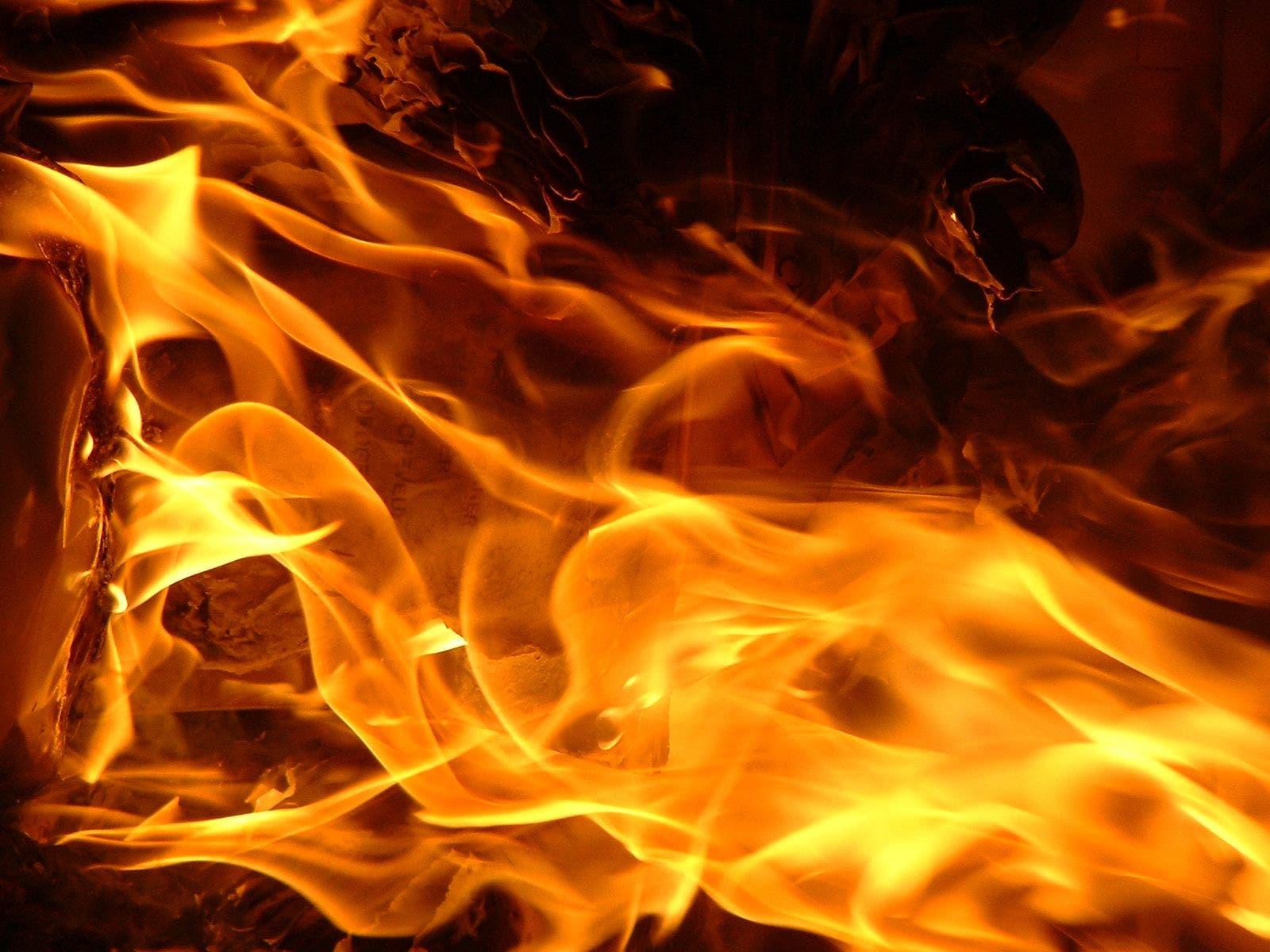 Al menos 11 muertos y 75 heridos en un incendio en un hotel de Pakistán