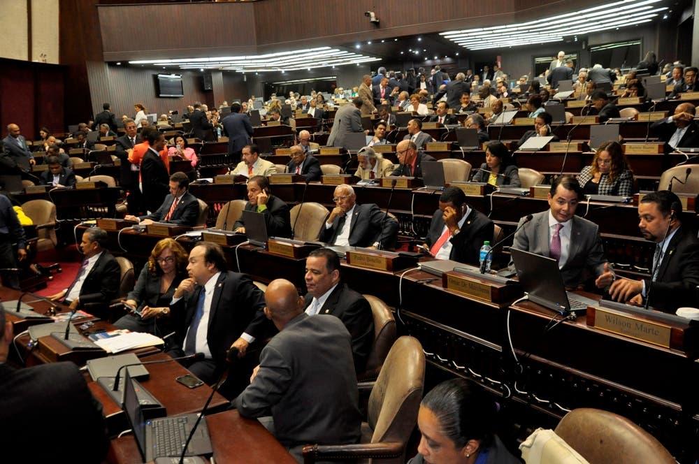 Los diputados se aprestan a votar. Foto HOY/Pablo Matos.
