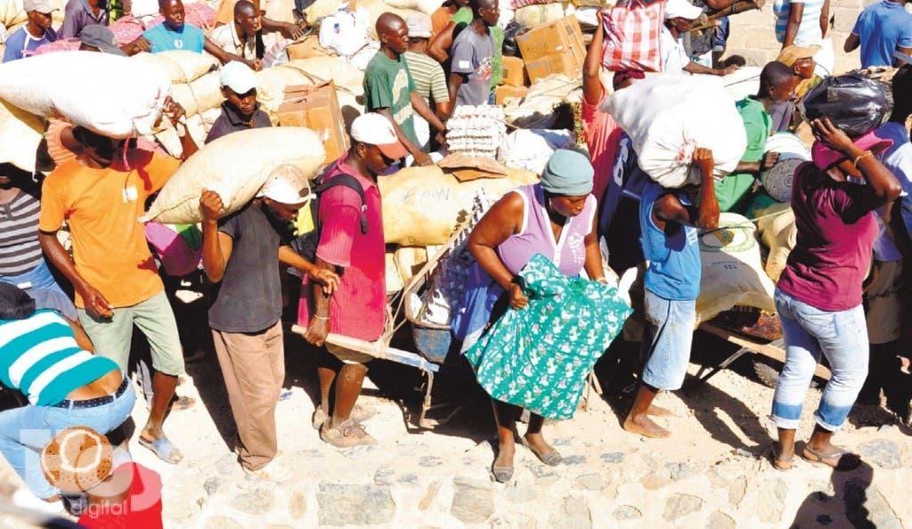 Evans Paul, Primer Ministro Medios había difundido veda de Haití a productos dominicanos como la carne de pollo, plátanos, huevos, ajíes, vegetales, frutas y embutidos.