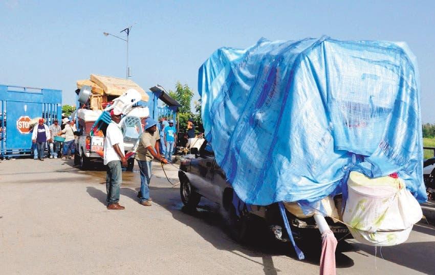 Haitianos salen de RD  por temor a deportaciones