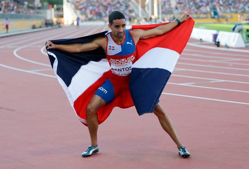 """Me puse nervioso y fallé en la salida"""", analizó Santos, que sin embargo logró el récord nacional de Republica Dominicana.(AP Foto / Marcos Humphrey). Archivo"""