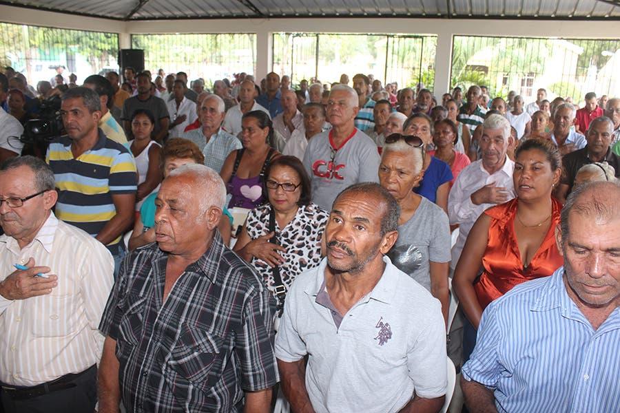 Emilio Toribio Olivo, director del IAD, afirmó que el presidente Danilo Medina  ha definido un plan de titular a más 10 mil productores agropecuarios a nivel nacional. Fuente externa.