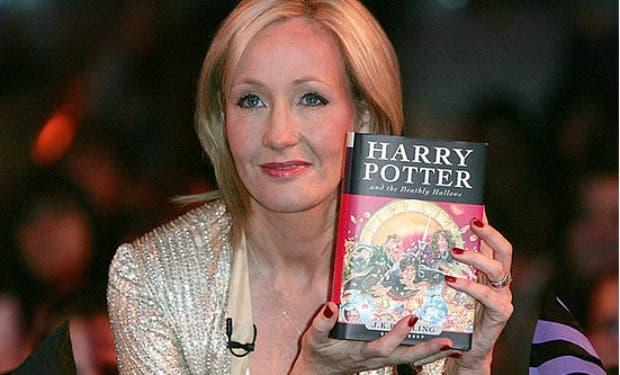 J.K. Rowling autora de la saga ¨Harry Potter¨ cumple 50 años en la cúspide de su éxito. Fuente Externa.