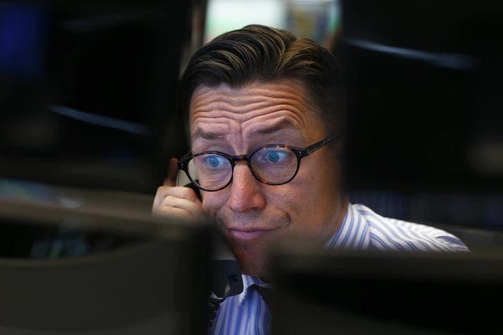 Трейдер на торгах фондовой биржи во Франкфурте-на-Майне
