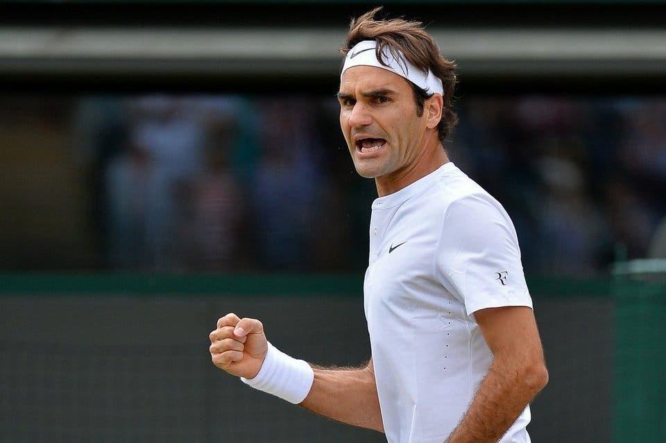Roger Federer celebra un punto antes Gilles Simon. Fuente Externa