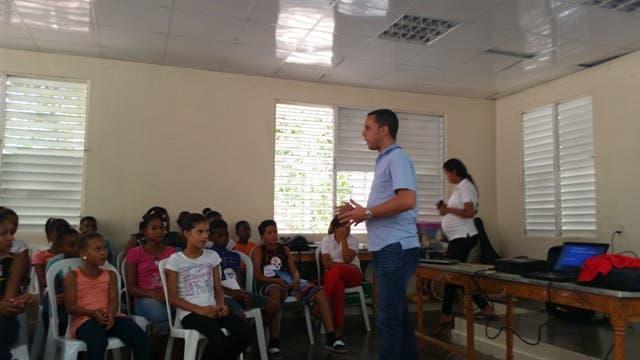 José Luis Morillo, Coordinador Nacional de Liderazgo y Participación, en  World Vision RD,
