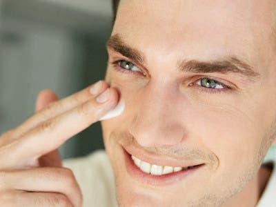 Experta ofrece consejos de salud para el cuidado de la piel masculina