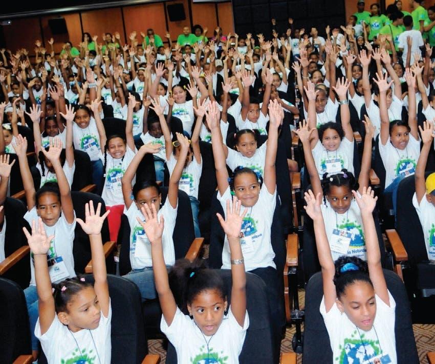 MP inaugura campamento para niños y niñas víctimas de violencia y criminalidad en Santiago