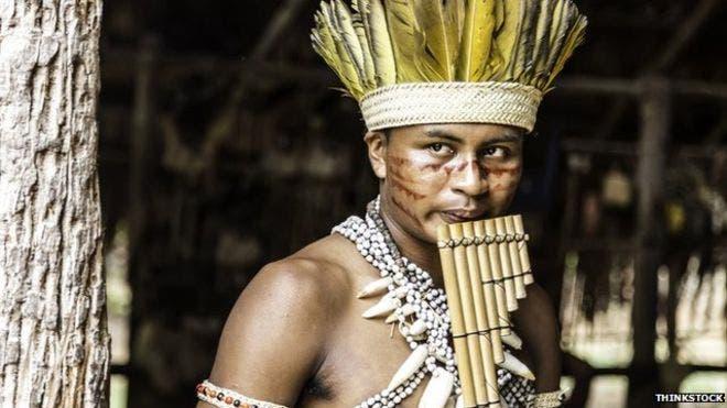 Nativos indígenas de Brasil tienen rastros de ADN de Oceanía, algo que genera nuevas preguntas sobre cómo y cuándo llegaron los primeros pobladores a América. BBC Mundo.