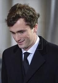 El príncipe Amadeo de Bélgica, hasta ahora sexto en la línea de sucesión al trono, fuente externa