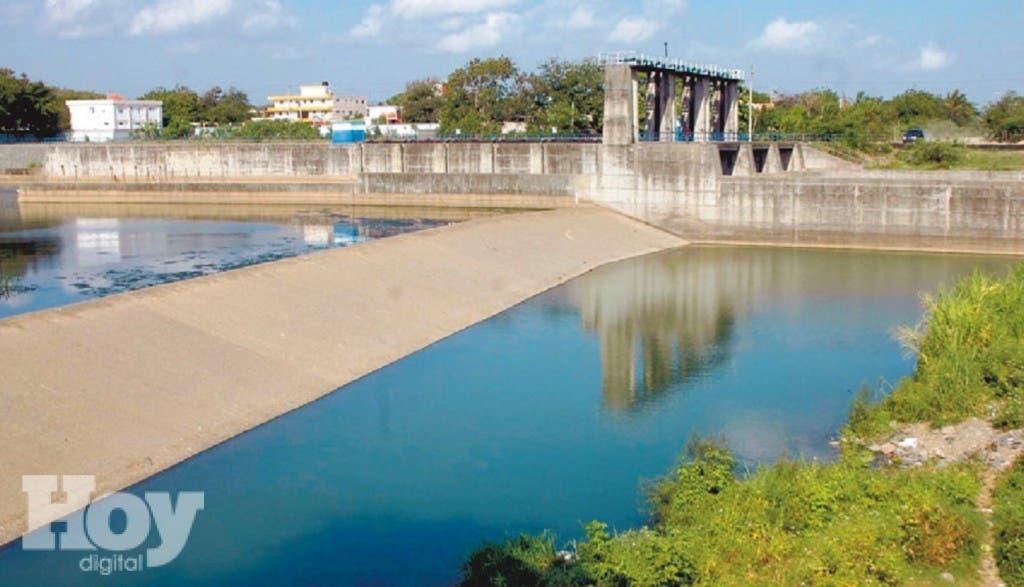 Los embalses de las presas Tavera-Bao ha llegado a su nivel más bajo de su historia, Nelson García .