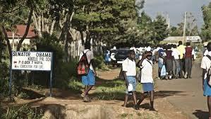 Nyang'oma Kogelo es un pequeño pueblo de dos medias calles y una carretera, fuente externa