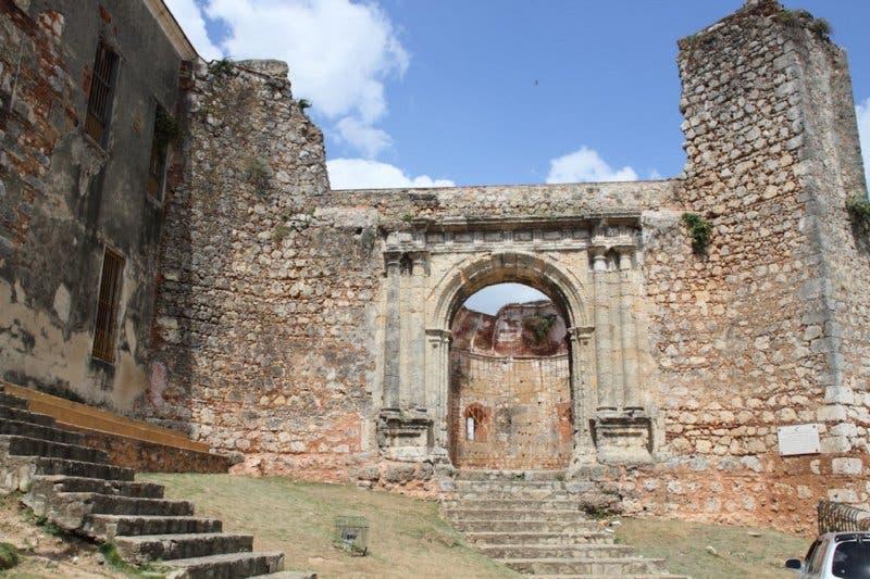 Las Ruinas del Monasterio de San Francisco requieren de recursos para labores de mantenimiento y apertura al público, archivo