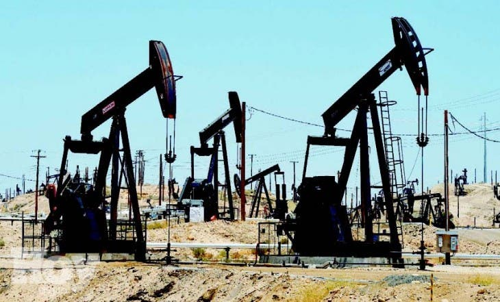 La caída del precio del petróleo seguirá beneficiando  al país.  AFP