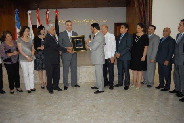 la Junta Directiva del  Club Libanes, Sirio, Palestino. Fuente externa