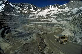 """El presidente ejecutivo de la Corporación del Cobre (Codelco) de Chile, Nelson Pizarro, aseguró que la mayor productora mundial de ese metal """"está en una economía de guerra""""  fuente externa"""