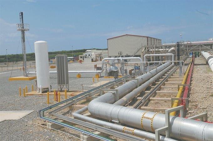 Alcalde pide agilizar instalación de planta gasoducto en Boca Chica