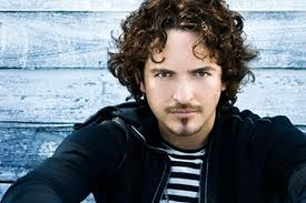 Tommy Torres, fuente externa