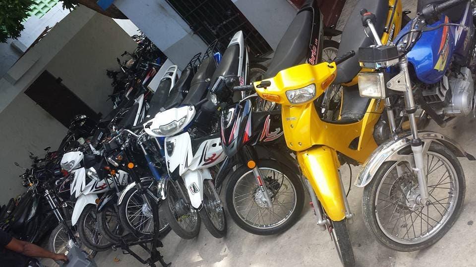 ¡Detenidos! Uno se dedicaba a robar motocicletas y el otro se las compraba