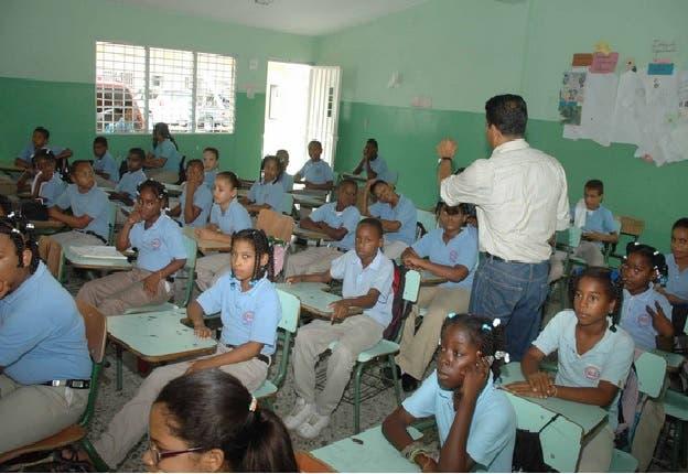 Banco Mundial concede préstamo de 50 millones de dólares a RD para educación