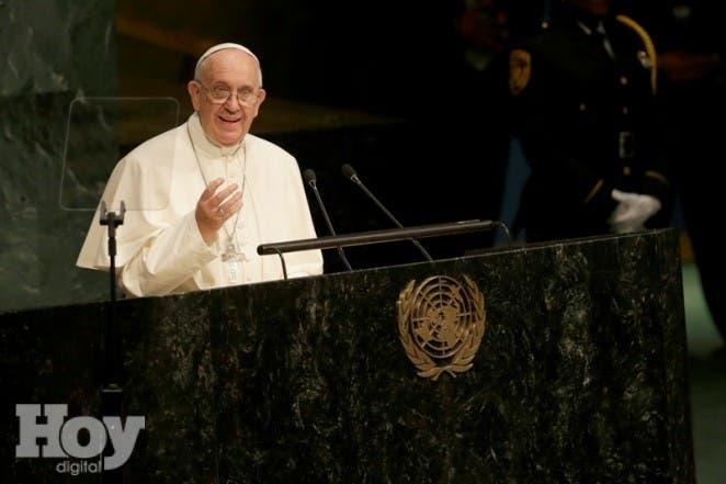 Papa Francisco habla ante la Asamblea General de las Naciones Unidas en la sede de la ONU, viernes 25 de septiembre de 2015. (AP Foto/Mary Altaffer)