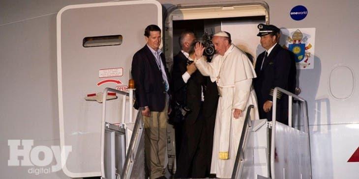 El papa Francisco se despidió hoy de Estados Unidos,  fuente externa